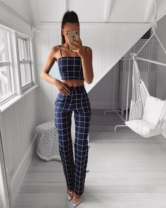 These two pieces outfit will make you look very stylish and. Teen Fashion Outfits, Classy Outfits, Cute Fashion, Chic Outfits, Trendy Outfits, Fall Outfits, Womens Fashion, Dressy Summer Outfits, Elegantes Outfit