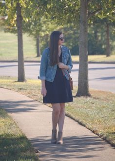 Heading to the Keeneland Fall Meet and not sure what to wear? Read today's post for my outfit tips to look great and have a fun day at Keeneland! Dress With Jean Jacket, Jacket Dress, Different Dresses, Light Jacket, Boho Dress, Elegant Dresses, My Outfit, Everyday Fashion