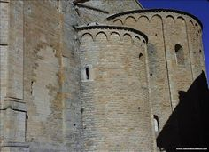 ARTE: Catedral de San Vicente de Roda de Isábena (Huesca) Del año 956,con Ramón II,conde de Ribagorza