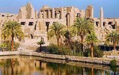 Resultado de imagem para arquitetura egípcia