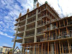 Lucrarile de constructie la cladirea B a complexului de birouri Green Court Bucharest  http://octagonromania.blogspot.ro/2014/08/octagon-ajuns-la-etajul-10-cu.html