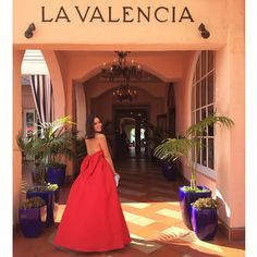 Visiting one of my favorite spots in La Jolla, #LaValenciaHotel... Best brunch and beautiful views  Xoxo, #AlexiaMaria #BowBackThursday