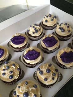 Purple lips cupcakes