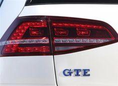 Volkswagen Golf GTE : prix, équipements et consommations Volkswagen Golf, Cars, Autos, Car, Automobile, Trucks
