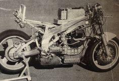 Jingushi Moto Guzzi BOTT race bike, no air gaps on this. Moto Guzzi, Cool Bikes, Cars Motorcycles