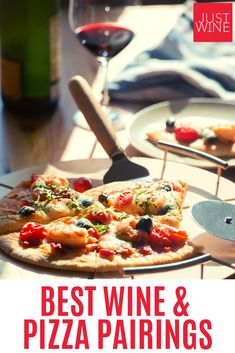 Officially recognized in the United States, Pizza Day should be celebrated by everywhere. Here are a few pizza styles and pizza-friendly wines to enjoy this delicious day. Pizza Recipes, Wine Recipes, Wine And Pizza, Authentic Italian Pizza, Pizza Style, Pizza Day, Sweet Spice, Sliced Ham, Canned Pineapple