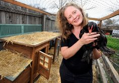 Movement to legalize backyard chickens in Louisville takes root