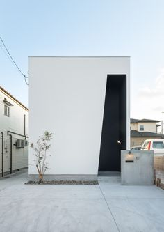 Minimal Architecture, Concrete Architecture, Architecture Design, Flat Roof House, Facade House, Facade Design, House Design, Retail Facade, Front Door Design