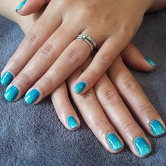 """Mermaid. Gelish. The colours I used are: """"A mint of spring"""" and """"My favourite accessory"""" topped with a touch of """"Golden treasure'."""