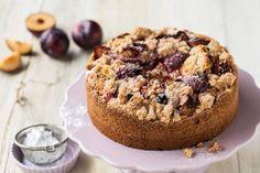 Pflaumen-Zwetschgen-Streuselkuchen - Rezept   Swissmilk Low Carb Recipes, Muffin, Breakfast, Desserts, Food, Cakes, Clothes, Yummy Cakes, Low Carb Food