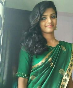 Beautiful Girl In India, Beautiful Saree, Beautiful Indian Actress, Beautiful Women, Indian Bridal Sarees, Indian Beauty Saree, Indian Girl Bikini, Indian Girls, Cute Beauty