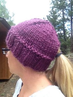 Ravelry: Quick Ponytail Hat pattern by Kristina Cotterman Ponytail Hat Knitting Pattern, Loom Knitting, Hand Knitting, Knitting Patterns, Crochet Patterns, Hat Patterns, Knit Or Crochet, Crochet Hats, Quick Knits