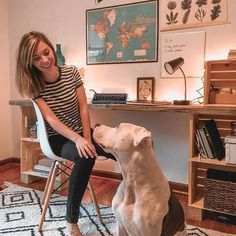I share my plans with how I built a desk out of salvaged wood planks and wood crates. It's an inexpensive and stylish way to get a desk you love! Crate Desk, Crate Bookshelf, Desk Shelves, Bookshelves, Diy Wood Desk, Diy Desk, Diy Office Desk, Office Decor, Ikea Office