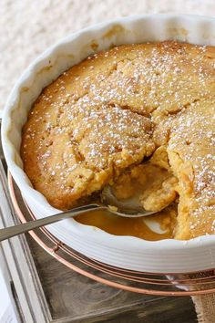 This easy Butterscotch Self Saucing Pudding is a classic family favourite. It takes less than 10 minutes to prepare and tastes AMAZING. especially served with a big scoop of ice-cream! Pudding Easy Butterscotch Self Saucing Pudding Winter Desserts, Mini Desserts, Pudding Desserts, Pudding Cake, Easy Desserts, Delicious Desserts, Yummy Food, Easy Pudding Recipes, Easy Quick Deserts