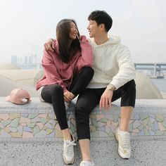 Flirting moves that work eye gaze images quotes images quotes Korean Couple, Best Couple, Couple Posing, Couple Shoot, Video Romance, Smile With Your Eyes, Ulzzang Couple, Boyfriend Goals, Couple Outfits