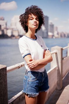 Urban Outfitters - Sporty, classic, up for anything. Unique Fashion, 70s Fashion, Fashion Beauty, Fall Fashion, Afro Punk, Outdoor Outfit, Look Cool, Black Is Beautiful, Urban Outfitters