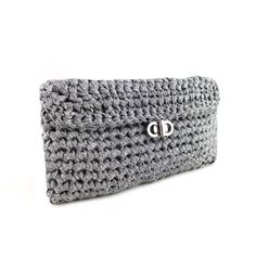 Charly Clutch - Free Crochet Pattern - (hoooked)