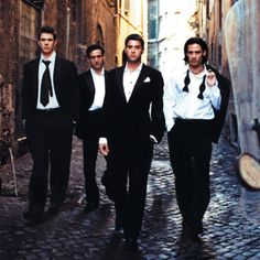 Il Divo.... which one isn't cute???