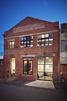Abbotsford warehouse conversion apartments by ITN architects, Melbourne Renovation Facade, Warehouse Renovation, Warehouse Apartment, Warehouse Living, Warehouse Home, Warehouse Design, Abandoned Warehouse, Apartment Renovation, Apartment Interior