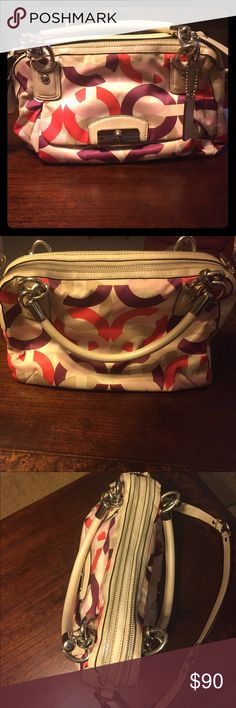 Coach purse Lightly used Coach Bags