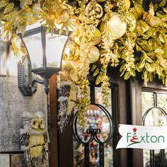 Con el dorado en tu decoración brillará cada momento, cada abrazo y cada espacio en tu hogar🎄✨ . . #navidadfexton #doradanavidad #decoratusmomentos #colombia #navidadmagica Wreaths, Home Decor, Magical Christmas, El Dorado, Hug, Jitter Glitter, Space, Colombia, Trends