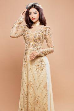 Áo dài cưới lấp lánh với họa tiết pha lê cao cấp