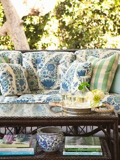 Wicker porch furniture House of Turquoise: Weekend Bliss