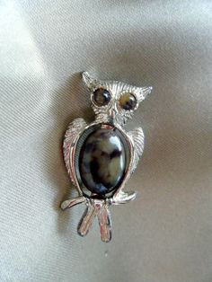 Hey, I found this really awesome Etsy listing at https://www.etsy.com/listing/218010322/owl-brooch-jelly-belly-style-stone-and
