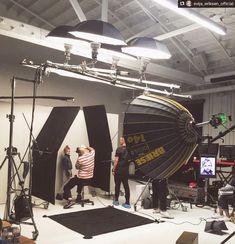 """Polubienia: 3,712, komentarze: 106 – Famous BTS Magazine™ (@famousbtsmagazine) na Instagramie: """"Awesome BTS @evija_eriksen_official!! ------------ Repost @evija_eriksen_official: #behindthescenes…"""""""