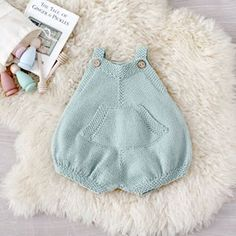 Learn How to Make this adorable Knitted Baby CARDIGAN. FREE Step by Step Pattern & Tutorial. A different way of making a Knitted Baby Cardigan! Baby Romper Pattern, Baby Booties Knitting Pattern, Knit Baby Shoes, Knitted Baby Cardigan, Knit Baby Booties, Crochet Jacket, Baby Knitting Patterns, Gestrickte Booties, Baby Kimono