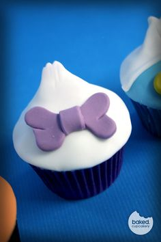 daisy duck cupcake - Google Search