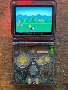 Video Game Rooms, Video Games, Custom Consoles, Games For Boys, Nintendo Game Boy Advance, Nintendo Consoles, Weird, Internet, Toys