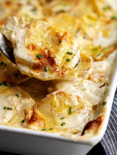 Gratin Dauphinois (potato gratin) is a creamy and decadent classic French side dish. Perfect for special occasions and your holiday table! Make it cheesy if you like! This easy recipe includes all of the options. Gratin Dauphinois Recipe, Potato Gratin Recipe, Potluck Side Dishes, Side Dishes Easy, Potato Dishes, Potato Recipes, French Side Dishes, Easy French Recipes, Easy Thanksgiving Recipes