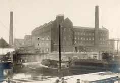 Maastricht. De Koninklijke Nederlandse Papierfabriek in 1925.