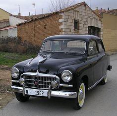 Seat 1400 B. This Spanish 4 door Sedan was built between 1957 and Bugatti, Lamborghini, Audi, Porsche, Retro Cars, Vintage Cars, Antique Cars, Supercars, Auto Volkswagen
