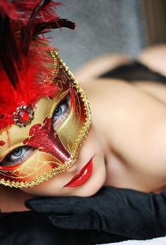 Beautiful colorful pictures and Gifs: Mask Photos-Antifaz fotografias-Animated Gif Costume Venitien, Mask Girl, Carnival Masks, Venetian Masks, Masquerade Party, Masquerade Masks, Bronx Masquerade, Beautiful Mask, African Beauty