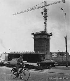 Zonnelaan, hoofdkantoor van de Raiffeisenbank in aanbouw, 1971