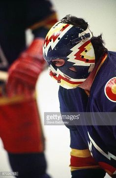 s-doug-favell-of-the-colorado-rockies-skates-in-warm-up-against-the-picture-id87026763 (399×612) Hockey Helmet, Hockey Goalie, Ice Hockey, Goalie Mask, New Jersey Devils, Cool Masks, Colorado Rockies, National Hockey League, Nhl
