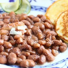 ShowFood Chef: Pinto Beans & Fried Corn Bread - Southern Family Cooking