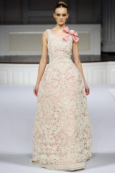 Oscar de la Renta #pink #gown #wedding