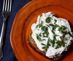 9 High protein breakfast recipes Herbed Poached egg whites on sprouted grain toast breakfast recipe. Healthy Breakfast Recipes For Weight Loss, Healthy Egg Recipes, Clean Eating Recipes, Healthy Cooking, Healthy Eating, Healthy Food, 21 Day Fix Breakfast, High Protein Breakfast, Savory Breakfast