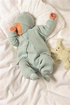 Bilderesultat for strikk til baby Knitting For Kids, Baby Knitting, Dinosaur Stuffed Animal, Crochet, Animals, Knits, Stitching, Bebe, Stapler