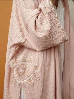 Pink abaya dress set in a textured fabric is stylish and comfortable modest wear. Iranian Women Fashion, Arab Fashion, Boho Fashion, Fashion Outfits, Womens Fashion, Fashion Design, Muslim Fashion, Mode Abaya, Mode Hijab