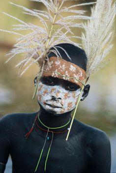 A beleza das Tribos Surma e Mursi, uma cultura em perigo, no sul de Etiópia 11