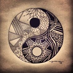 I think that this Ying-yang tattoo is awsome; the balance of life Et Tattoo, Piercing Tattoo, Tattoo Drawings, Body Art Tattoos, Tatoos, Small Tattoos With Meaning, Cute Small Tattoos, Ying Y Yang, Yin Yang Tattoos
