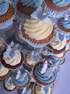 Blue and White Butterfly Cupcakes (i want these for my birthday!)