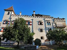 Hoteltipp: Schloss Paschbach in Eppan Mansions, House Styles, Home Decor, Tips, Mansion Houses, Homemade Home Decor, Villas, Fancy Houses, Interior Design