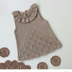 27 New Ideas Crochet Bebe Poncho Knitting Patterns Baby Knitting Patterns, Knitting For Kids, Knitting Designs, Knit Baby Dress, Baby Cardigan, Crochet Baby, Knit Crochet, Knitted Poncho, Baby Sweaters