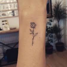 """Résultat de recherche d'images pour """"tattoo rose"""""""
