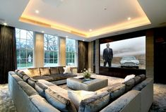 Home theaters luxo Off White Living Room sofa Luxury This Ly with White and Off White Walls and sofas Home Cinema Room, Home Theater Rooms, Home Theater Design, Home Theater Furniture, Mansion Interior, Mansion Rooms, Style Deco, Home Cinemas, Design Case